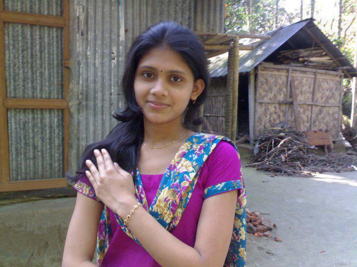 Sweet sexy odisha aunty - 1 2