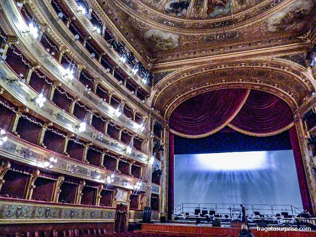 Palco e galerias do Teatro Massimo de Palermo, Sicília