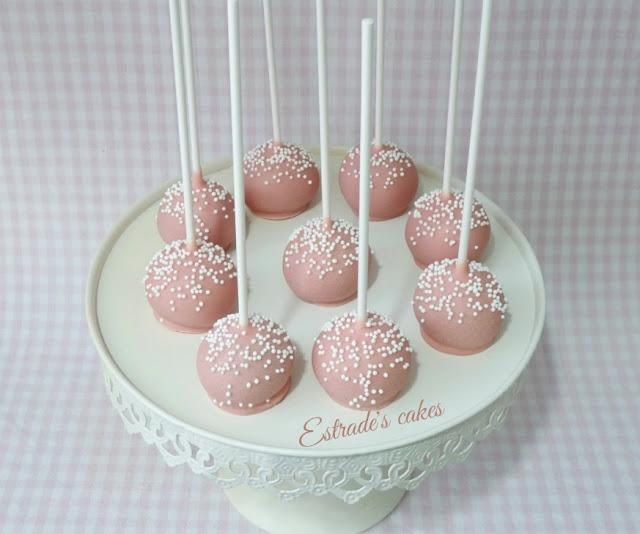 cake pops para Primera Comunión en rosa y blanco 2