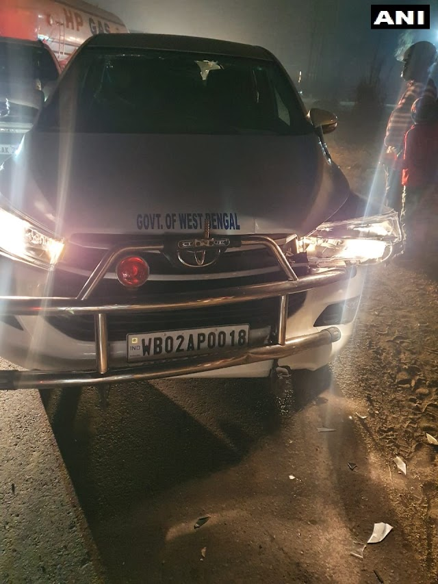 Big Breking: Union Minister Babul Supriya Convoy  caught in an accident.  Acciden in Asansol