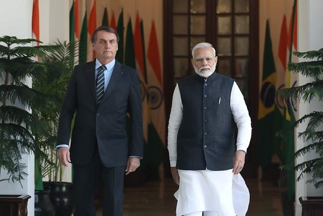 """BRASIL-Bolsonaro tenta antecipar chegada de vacinas da Índia; Fiocruz promete distribuição """"no dia seguinte"""""""