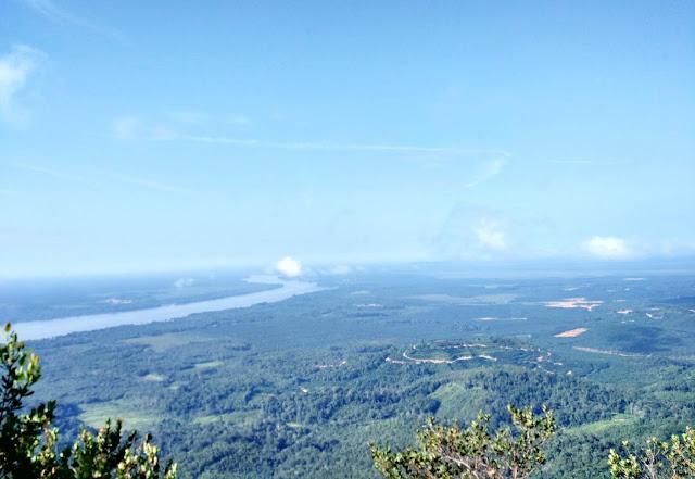 Pemandangan dari puncak Bukit Sebayan