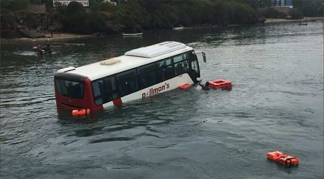 Pollman's bus fell into the Indian Ocean at the Likoni  photo