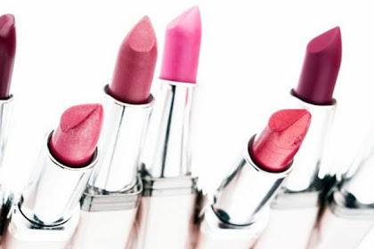 Warna Lipstik Untuk si Pemilik Bibir Gelap