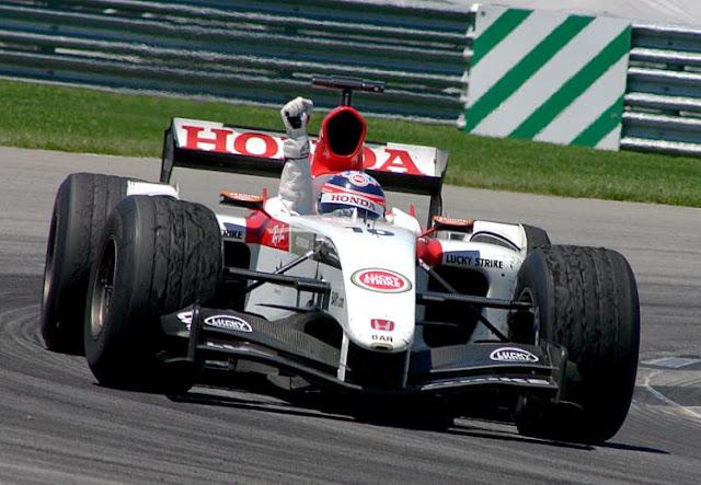 Gambar Mobil Balap F1 British American Racing 02
