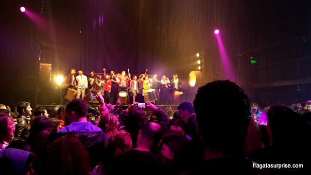 Espetáculo do Fuerza Bruta, em Buenos Aires
