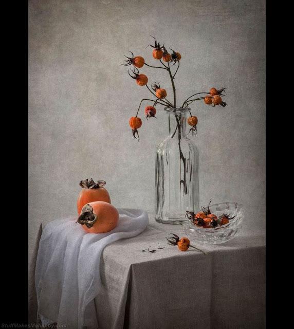 Rosehip and persimmon. (Photo by INNA KARPOVA):