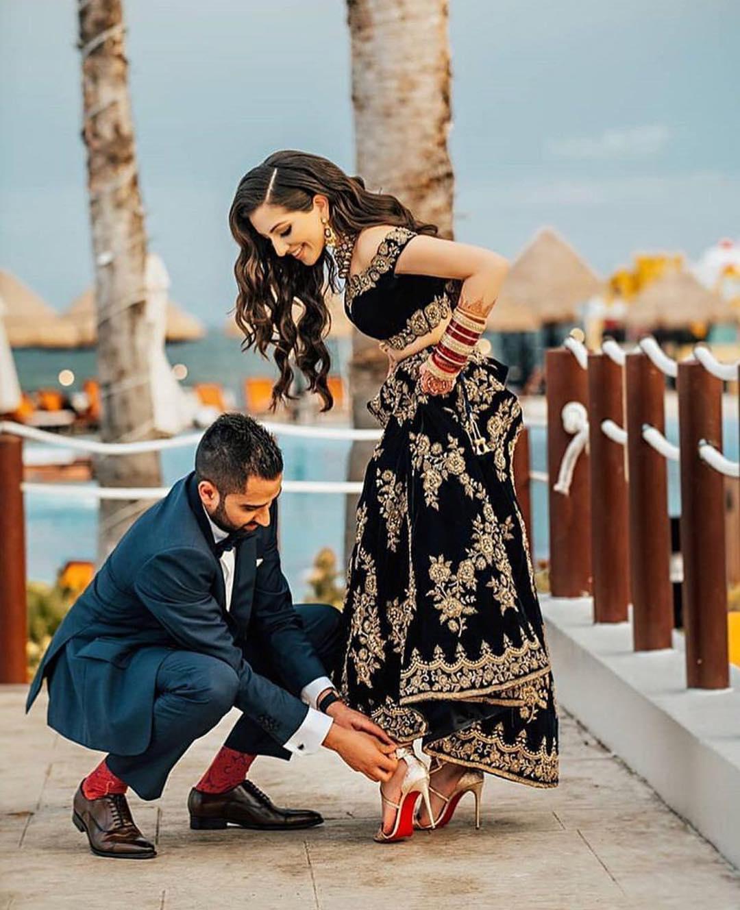 Romantic Couple FB DP | Facebook Display Pictures