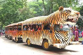 bersepeda gowes di kebun binatang ragunan nurul sufitri travel lifestyle blogger panasonic bianchi