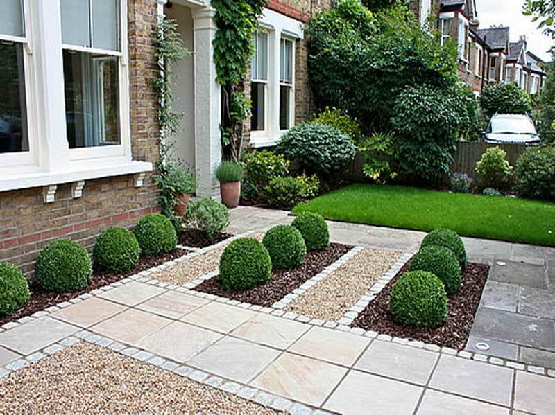 GabiLio Home and Garden: Simple front garden landscaping idea