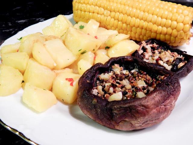 Zapečené portobello steaky a limetkové brambory