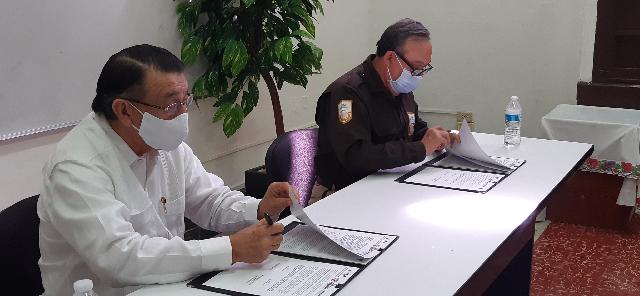 Indemaya e INM firman convenio a favor migrantes de Yucatán