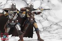 S.H. Figuarts The Mandalorian (Beskar Armor) 14