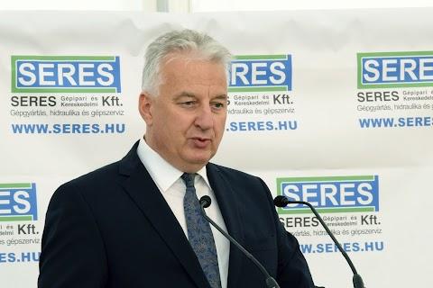 Semjén: a kormány támogatja a magyar családi vállalkozásokat