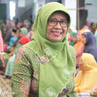 Ibu Hj Laeli Mansyur Ketua PC Muslimat NU Banyumas