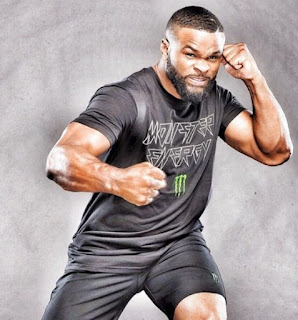 MMA Fighter Tyron Woodley posing for a picture