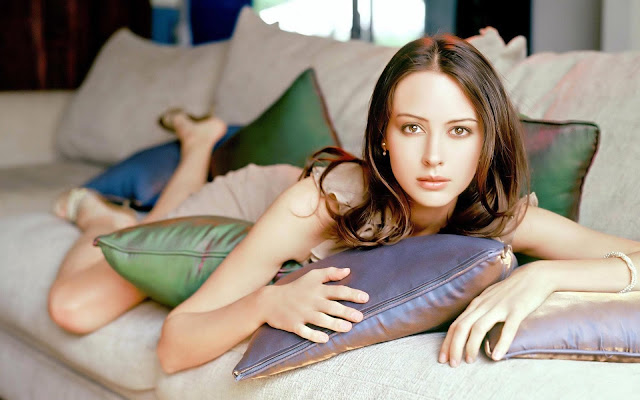 Amy Acker Images