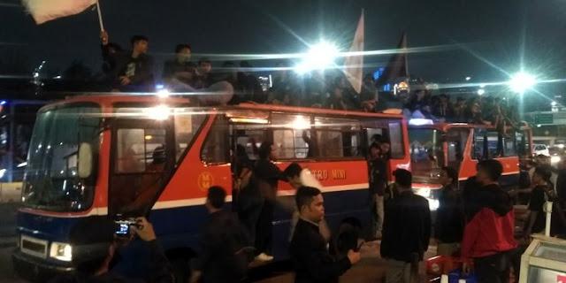 Gabung BEM SI, Mahasiswa Jogja dan Solo Patungan Sewa Bus ke Jakarta Demo KPK