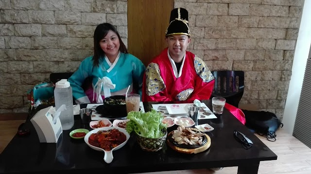 Taste Buds: Jonglo Korean Restaurant: Eat in Korean Traditional Style.