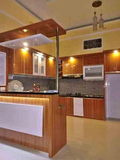 dapur rumah minimalis type 45 dilengkapi mini bar cantik