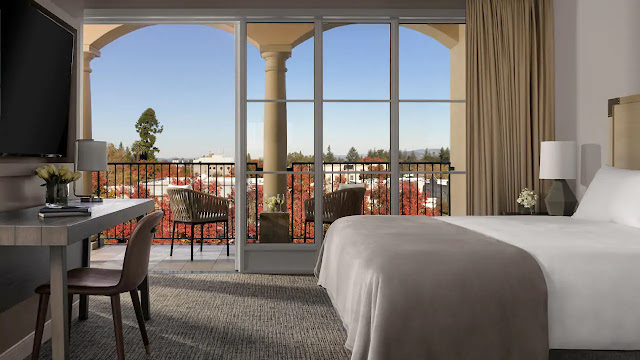 Visit the beautifully re-imagined Hyatt Regency Sonoma Wine Country hotel. Your perfect escape to over 400 wineries, art galleries, the Charles Schulz Museum and much more!
