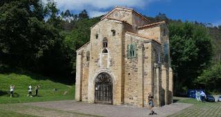 Oviedo, San Miguel de Lilli o Liño.