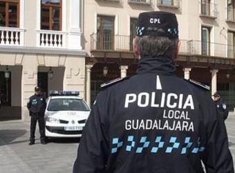 ES NOTICIA. La Policía Local ha impuesto 146 denuncias a personas que han puesto en riesgo la salud pública por el incumplimiento de las medidas contra el covid19