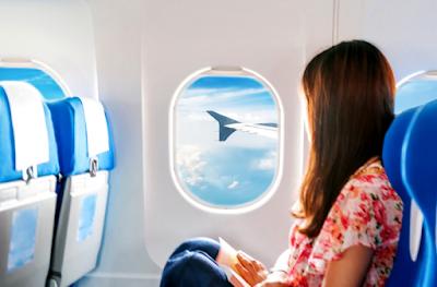 Tips Menghilangkan Rasa Bosan Saat Di Dalam Pesawat
