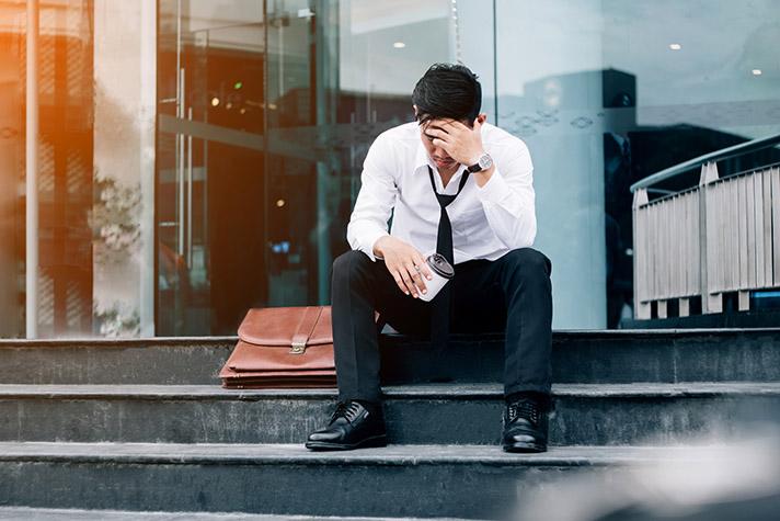 Tips Menghadapi Dampak Mental Kehilangan Pekerjaan di Masa Pandemi, naviri.org, Naviri Magazine, naviri majalah, naviri