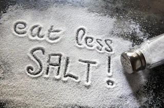 how Less salt in food helps in body purification
