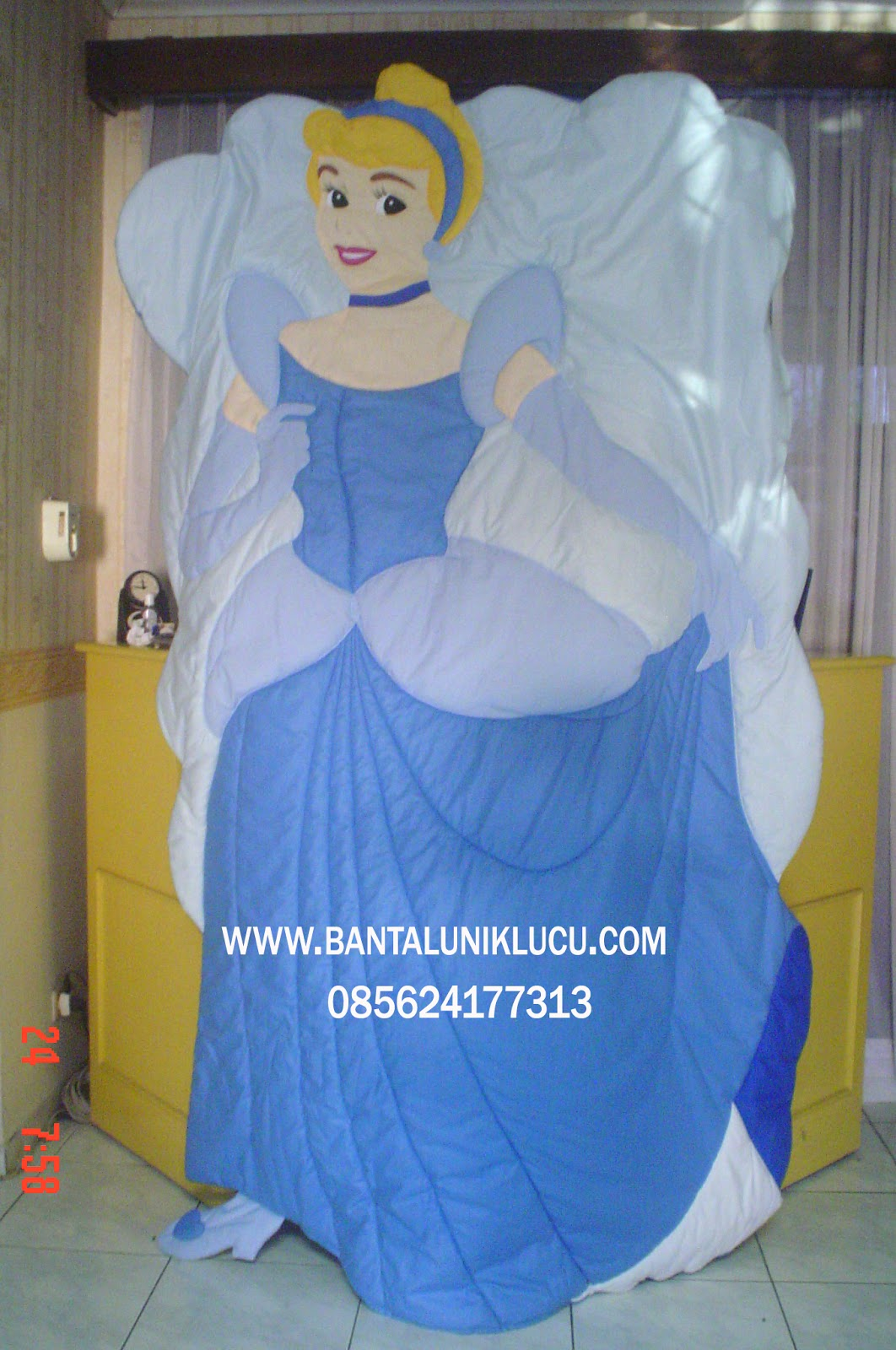 Bed Cover Unik Cinderella Bantal Unik Lucu