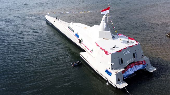 KRI Golok-688 kapal tempur siluman buatan Banyuwangi