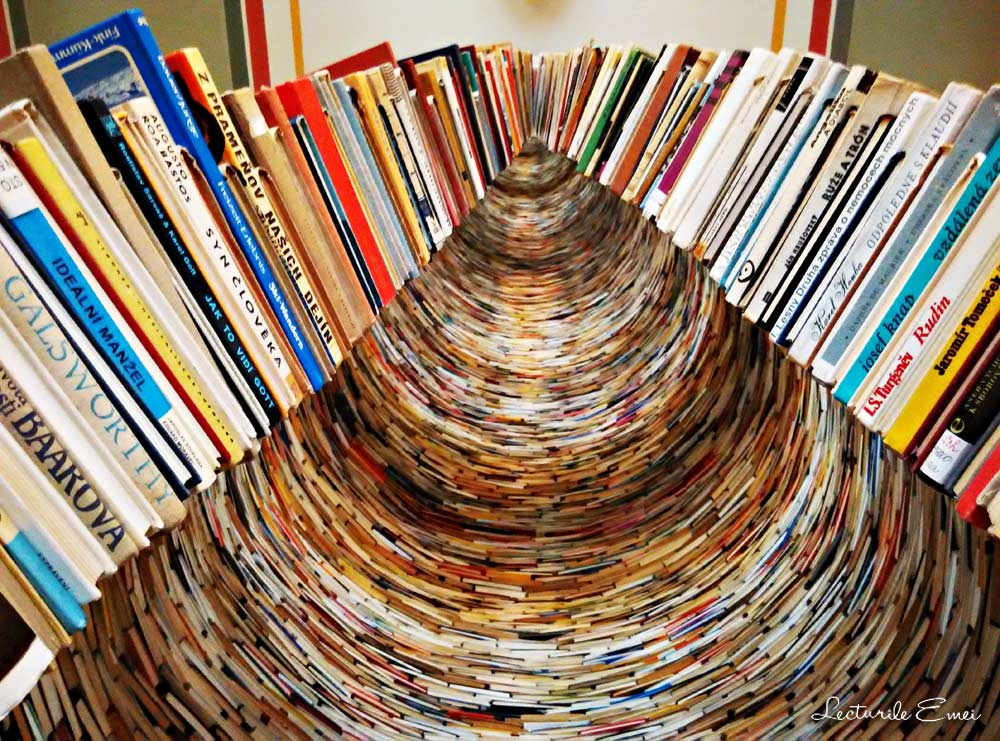 instalația Idiom Praga biblioteca