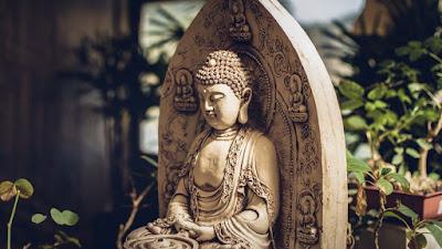 Buddha agama tanpa Tuhan? - catatan adi