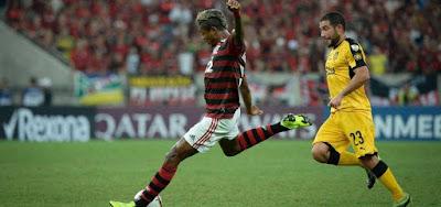 O atacante Bruno Henrique é destaque do Flamengo; jogo do time carioca será transmitido pelo Facebook