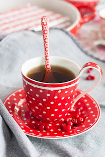 Spot red porcelán csésze szett