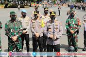 Kapolri Pimpin Langsung Apel Kesiapan Bhabinkamtibmas dan Nakes di Lapangan Promoter Ditlantas Polda Metro Jaya
