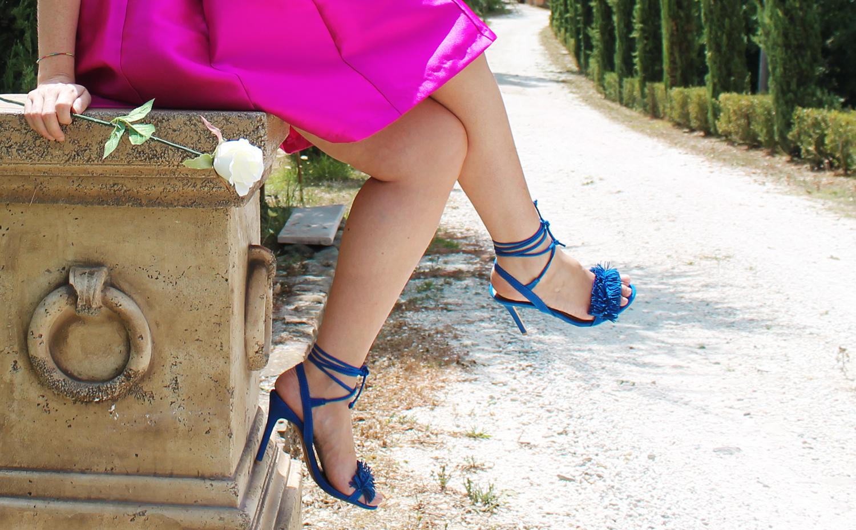sandali con frange blu elettrico