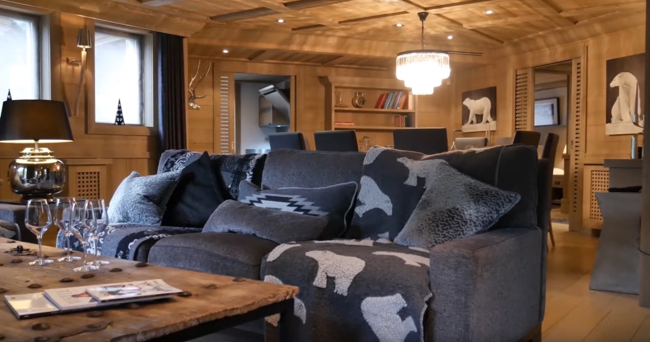 5 Photos vs. Chalet Black Pearl - Val d'Isere | Isle Blue Villa Interior Design Tour
