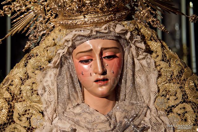 http://franciscogranadopatero35.blogspot.com/2015/10/besamanos-virgen-de-dolores-hdad-de.html