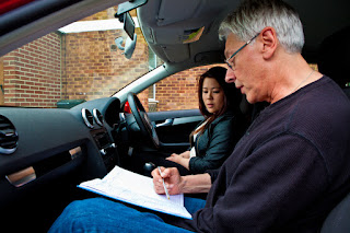 Tips on finding the right driving instructor for you