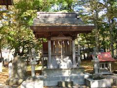 忍草八幡社