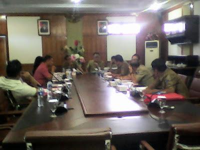 Saat rapat Komisi I dan Biro Organisasi berlangsung.