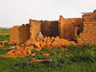 Muçulmanos Fulani atacam aldeia nigeriana e matam 7 cristãos no dia seguinte ao Natal