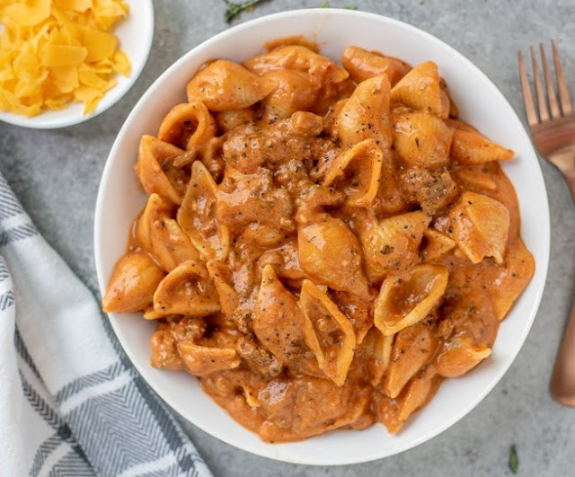 Creamy Beef and Shells #dinner #pasta