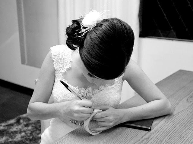 Casamento - Dia da Noiva - Fita com Nome das Amigas na Barra do Vestido