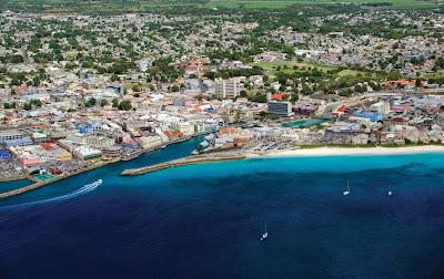 Vue aérienne du port de la ville Bridgetown à la Barbade