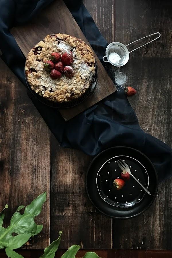 Este coffee cake de ricotta y fresas te hará feliz (aún en medio de la pandemia)