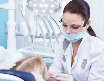 افضل دكتورة اسنان في مستوصف المهيدب