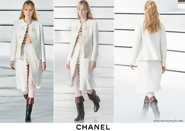 Nina Flohr wore a tweed jacket and skirt from Chanel Autumn-Winter 20 collection